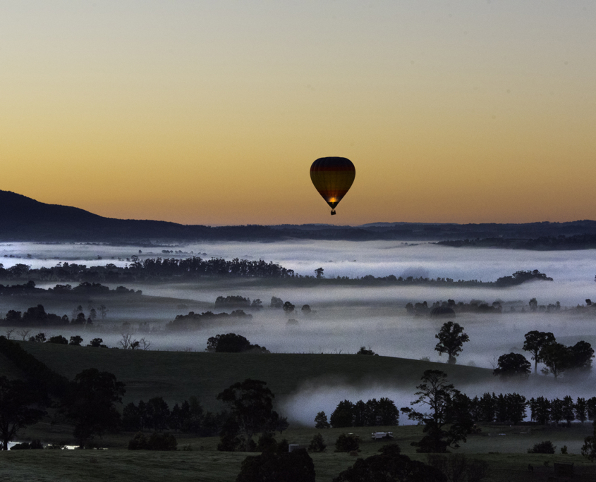 Yarra Valley Photographic Tour Valley and balloon